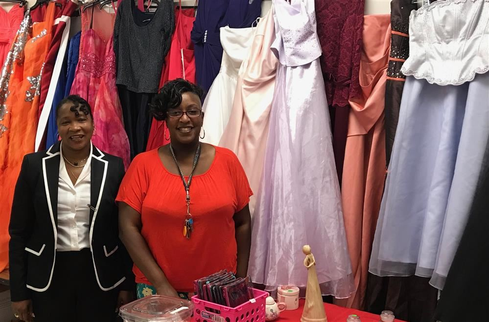 Cinderella's Project Opens in the Tiger Mall